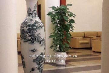 Cách bài trí lộc bình gốm sứ trong nhà phù hợp với từng vị trí phong thủy